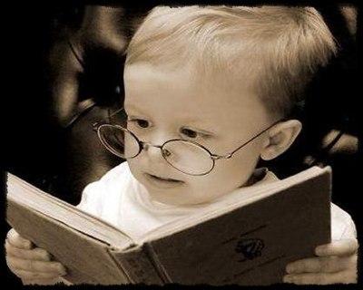 bebe-lendo-livro.jpg