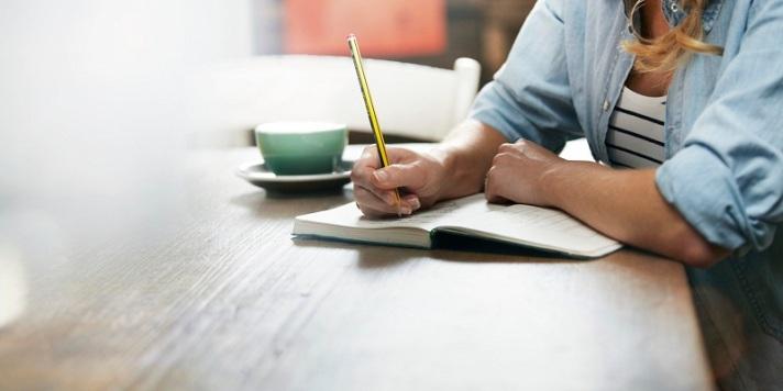 mulher-escrevendo.jpg