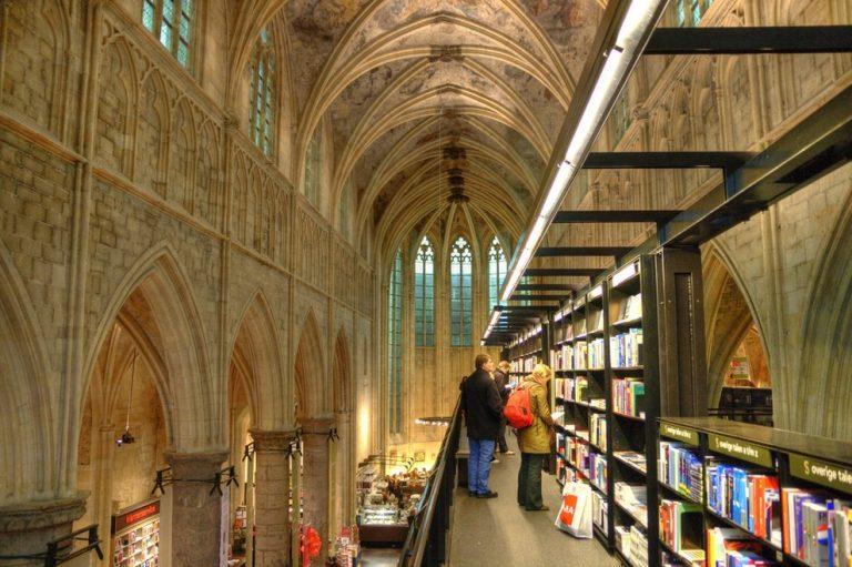 Bookstore-05-768x511 (1).jpg