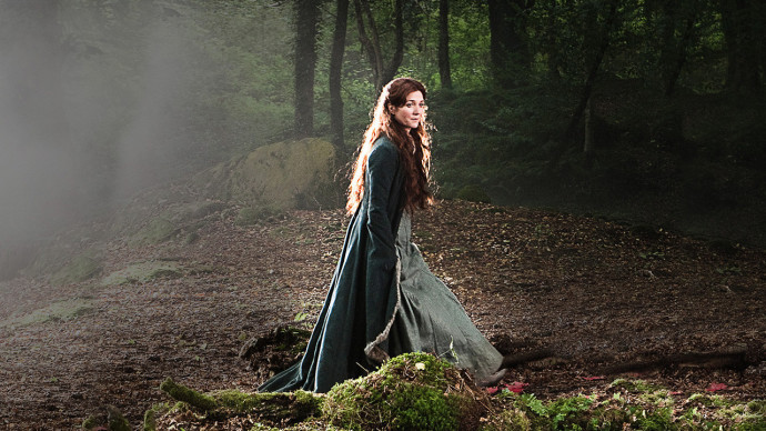Catelyn-Stark-game-of-thrones-20155606-1280-720-690x388.jpg